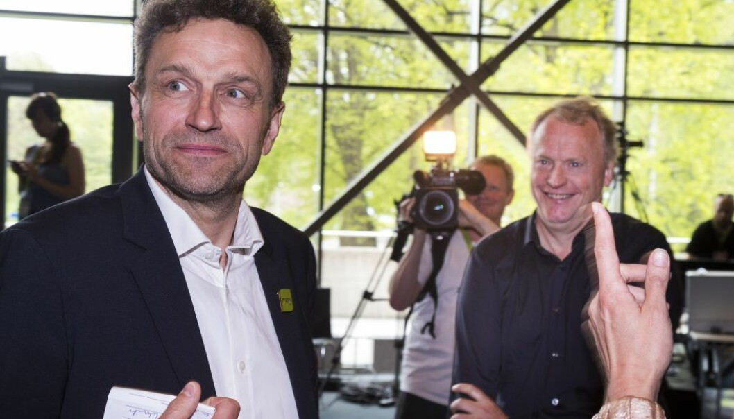 Miljø- og samferdselsbyråd Arild Hermstad (MDG) (t.v) åpner for å sette leilighetsnormen i spill for å dempe prisveksten på boligmarkedet i Oslo.