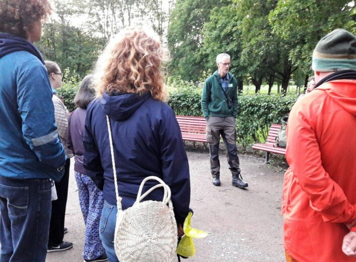 Biolog Kjell Isaksen fortalte nøye og tydelig om det vi vet om flaggermus i Oslo. Foto: Anders Høilund