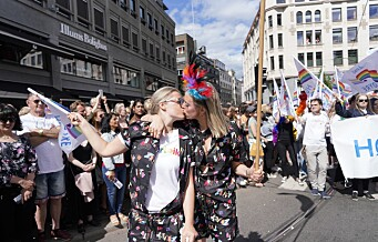 Pride-paraden av stabelen i Oslo. Erna: – Unge begår selvmord fordi de er annerledes