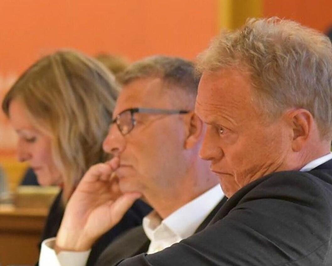 – Denne beslutningen legger en betydelig begrensning på et nytt kommunestyres mulighet til raskt å realisere politikken man går til valg på, sier finansbyråd Robert Steen (Ap).