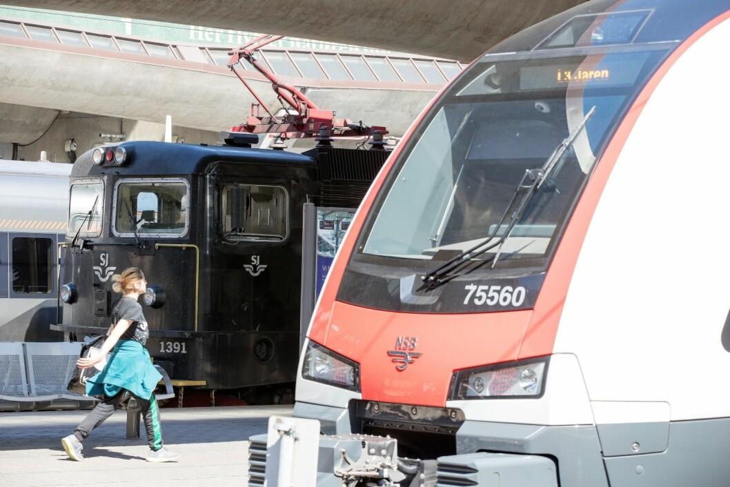 Tilbudet for togreisende fra Norge til utlandet er blitt nærmest halvert de siste tredve årene. Nå vil svenske SJ satse på å gi nordmenn et bedre tilbud, mens norske Vy mener det ikke er passasjergrunnlag for å gjøre det samme. Illustrasjonsfoto: Terje Pedersen / NTB scanpix