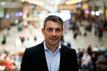 � SJ vil satse på et bedre togtilbud mellom Norge og Sverige, lover kommunikasjonsrådgiver Stephan Ray. Foto: SJ