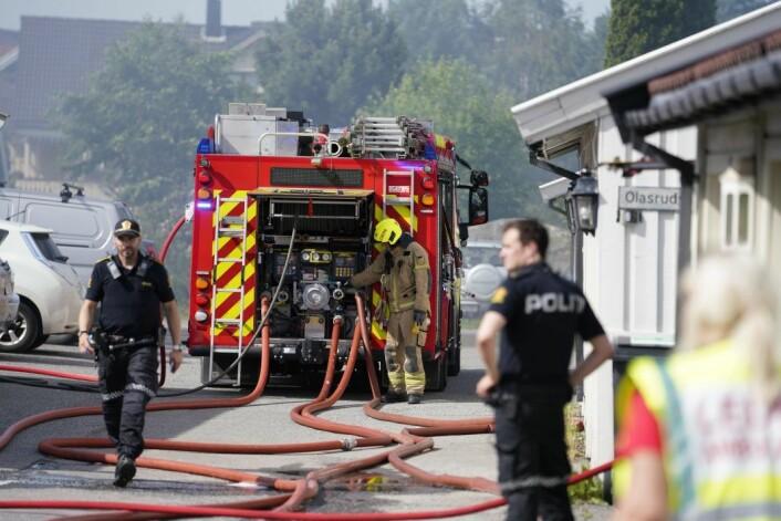 Lørdag brant et garasjeanlegg for andre gang i Olasrudveien på Mortensrud. Foto: Fredrik Hagen / NTB scanpix