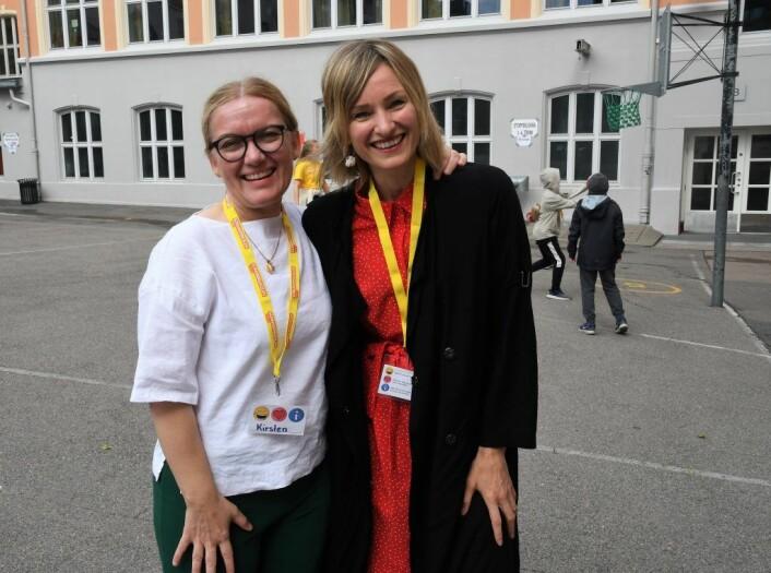 Rektor for sommerskolen, Kirsten Riise, og byråd for oppvekst og kunnskap, Inga Marte Thorkildsen (SV) er svært glade for å kunne tilby ungdom jobb i sommerskolen. Foto: Christian Boger