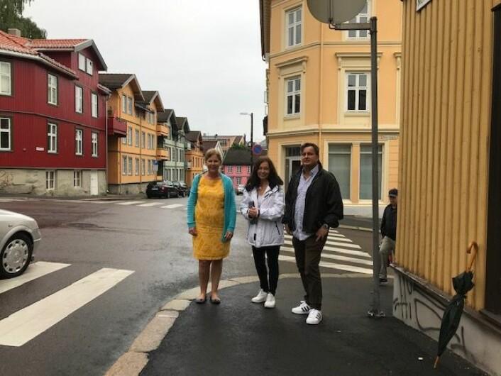 Camilla Wilhelmsen (til v.) med Frps lokalpolitiker i bydel Gamle Oslo, Kjell Johansen og representant for næringslivet Heidi C. Huitfeldt (i midten). Foto: Privat