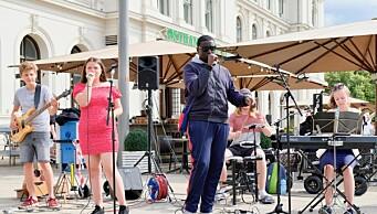 Bestill din egen gratis bakgårdskonsert: Ungdommene fra St. Hanshaugen kommer og spiller for deg i sommerjobben sin