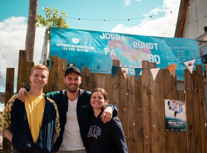 Mathias Augestad Ambjør, Sebastian Skytterud Myers og Christina Sleipnes skal spille Jorda rundt på 80 dager på Salt i Bjørvika. Foto: Thomas Gallagher
