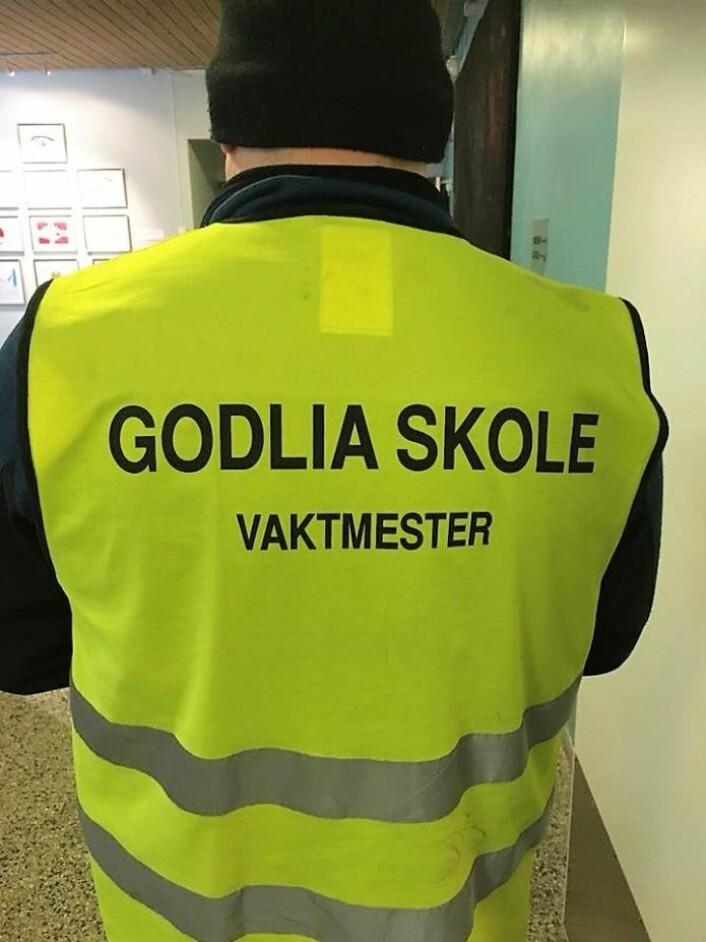 Tidligere avtaler om innleie av vaktmestertjenester fra kommersielle aktører fases derfor ut. Over 40 nye skolevaktmestere skal ansettes i 2019. Foto: Karin Steenstrup