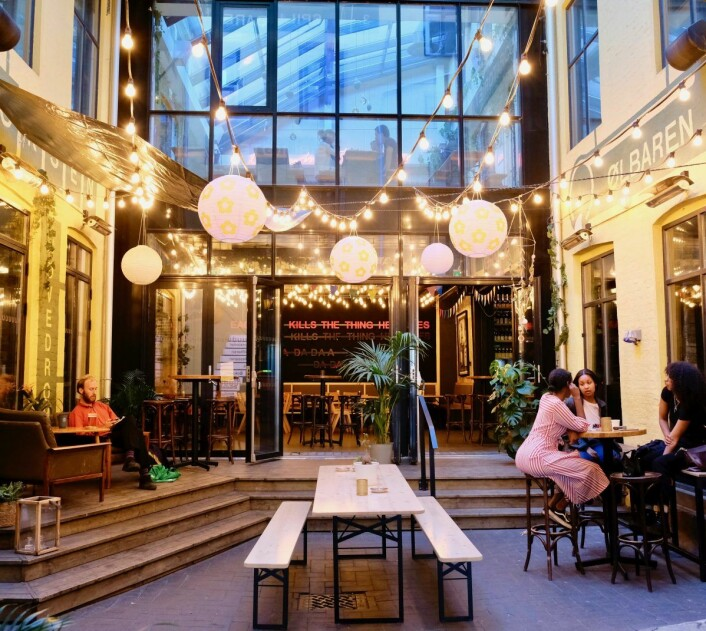 Kulturhuset satser på kunnskapsgivende arrangementer og mye moro i flere etasjer, noe Vik mener er årsaken til at skeive kan føle seg mer velkomne. Foto: Emilie Pascale