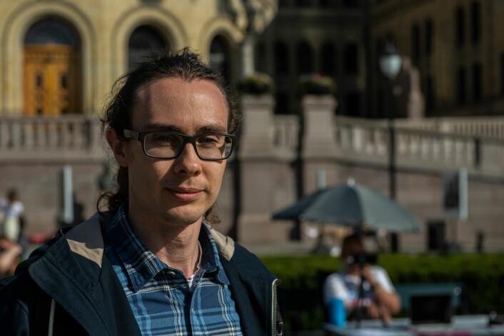 Christian Ihle (35) er grunnlegger av VeganNorway og venn av Samuel Rostøl. Nå håper de dette vil hjelpe med å fjerne illusjonen om at alt bare står bra til med dyrevelferd i Norge. Foto: Morten Lauveng Jørgensen