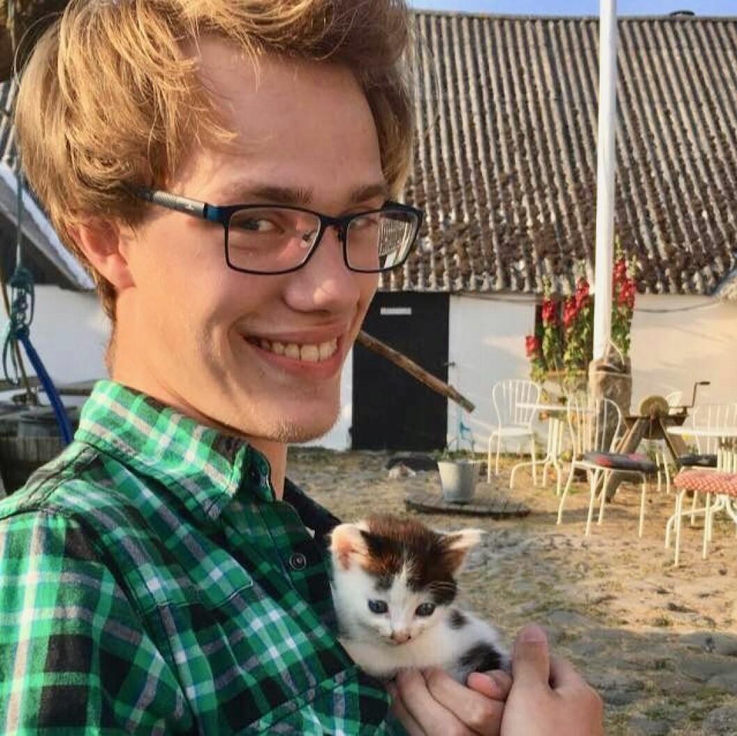 Adrian Leander Skagen (19) er skuffet over at han ikke har mottatt noe boligtilbud fra Studentsamskipnaden i Oslo, til tross for at han søkte allerede i november i fjor. Foto: Privat.