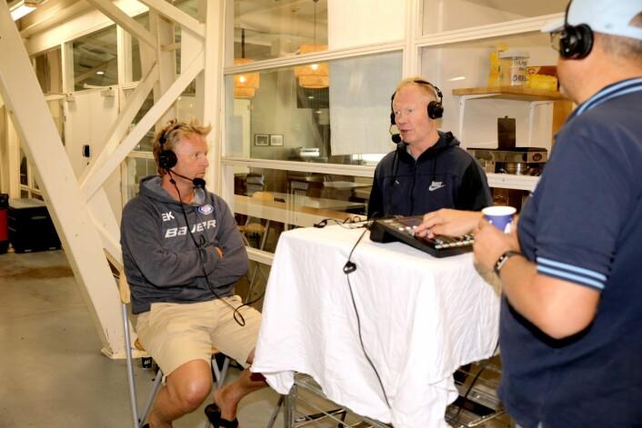 I den første sendingen av Hockeypodden måtte Espen Knutsen og Roy Johansen svare på hva som egentlig skjedde i sluttspillet i fjorårssesongen. Foto: Atle Ensersen