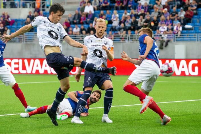 Kristiansunds Bent Sørmo scorer under eliteseriekampen i fotball mellom Vålerenga og Kristiansund på Intility Arena. Foto: Audun Braastad / NTB scanpix
