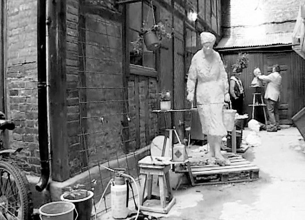 Arne Skarpsnos skulptur under utforming. Foto: Terje Børjesson