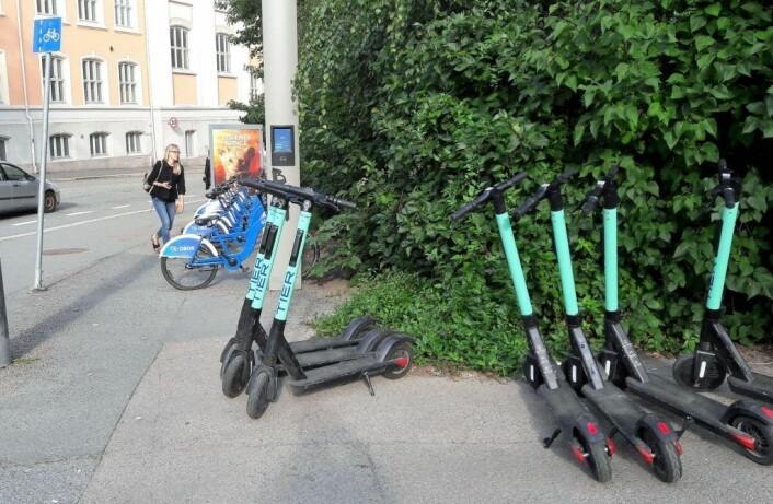 Distanse, pris og trygghet er med på å avgjøre hva slags sykkel som velges. Bysykkel eller el-sparkesykkel. Foto: Anders Høilund