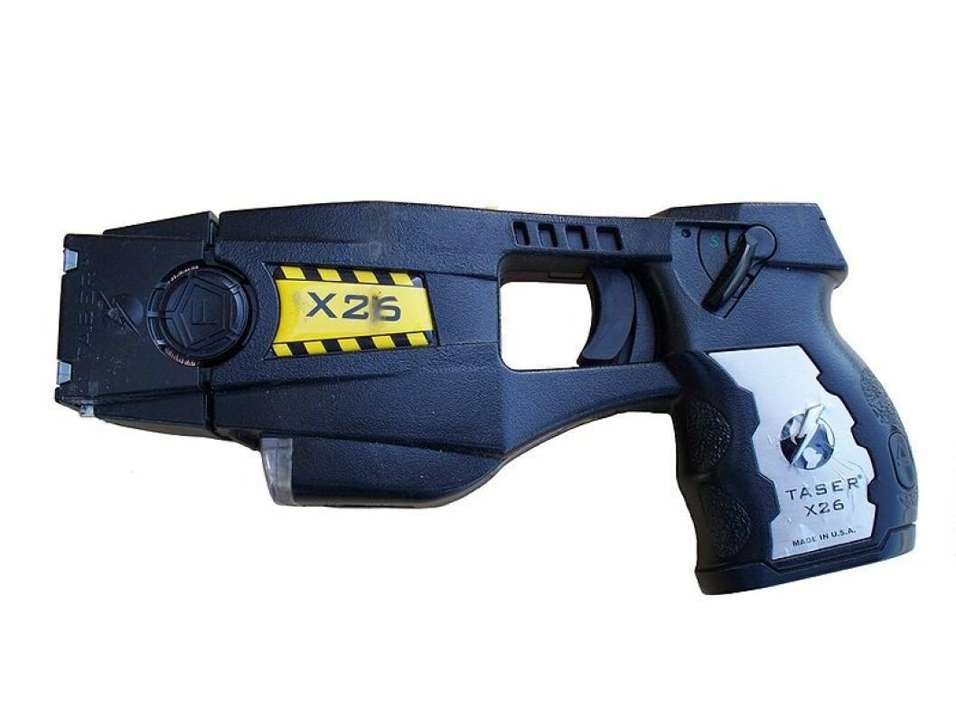Politiet brukte pepperspray og elektrosjokkvåpen mot knivstikker. Foto: Junglecat / Wikipedia