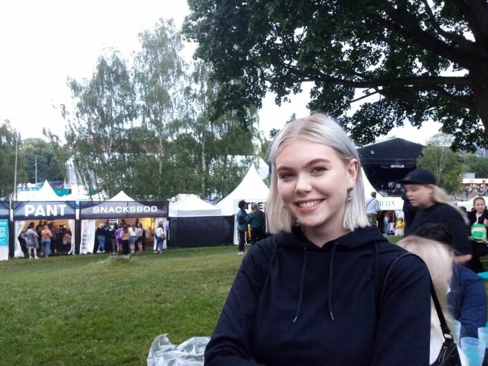 Katarina: – Mitt definitive sjekketriks er å gi noen blikk, kanskje si hei, og spille sjenert. Foto: Johannes Hellstrand Frøshaug