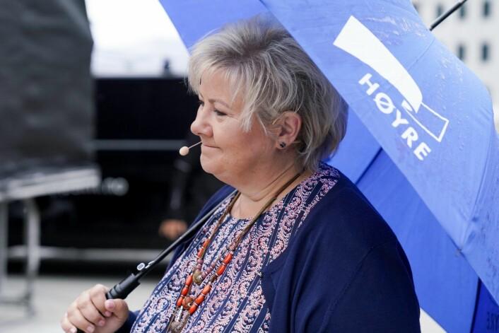 Høyreleder og statsminister Erna Solberg var tilstede i regnværet da partiet åpnet valgkampen i Oslo. Foto: Fredrik Hagen / NTB scanpix