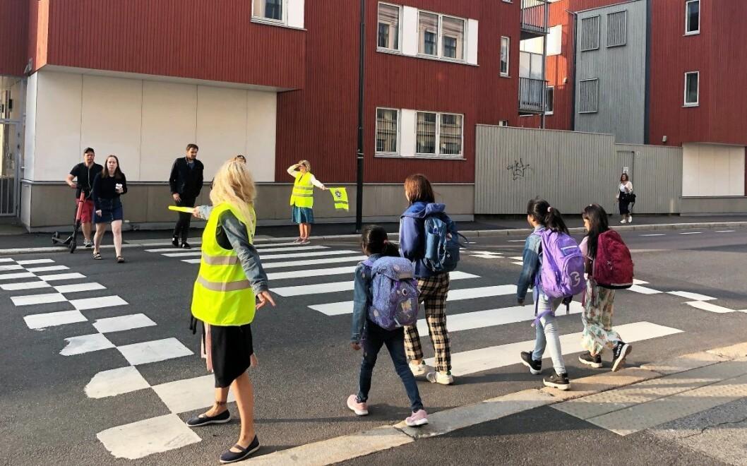 Trafikkforholdene for elevene ved Vålerenga og Jordal skoler har ikke blitt som håpet ved skolestart. Grunnen er at de lovede trafikksikkerhetstiltakene fra bymiljøetaten har blitt forsinket. Foto: Christian Boger