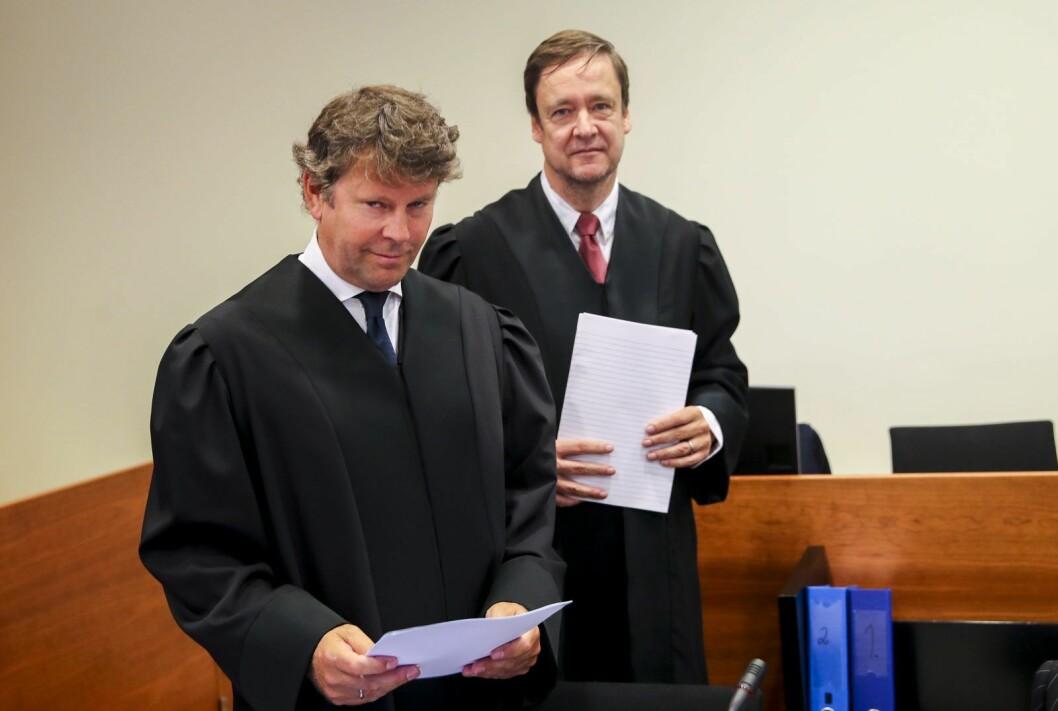Forsvarere til Vt-gruppen og Jonny Enger er fra v. advokat Thomas Skjelbred og advokat John Christian Elden. Foto: Vidar Ruud / NTB scanpix