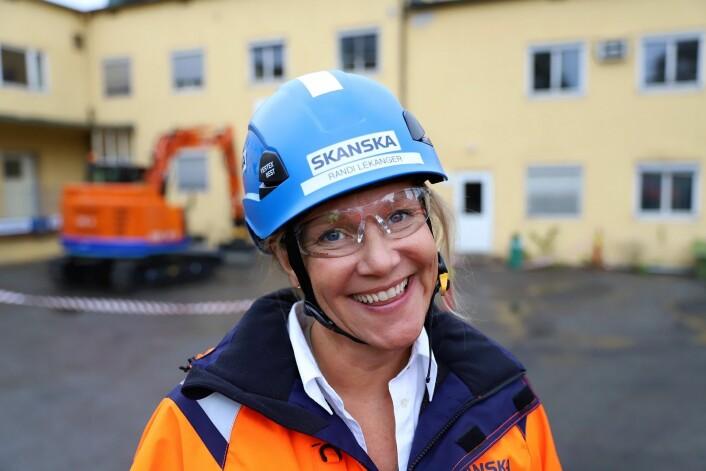 Randi Lekanger er miljøsjef i Skanska. Ifølge henne har prosjektet målsetning om å være fossilfritt i gjennomføringsfasen, med ambisjon om å være utslippsfritt. Foto: André Kjernsli