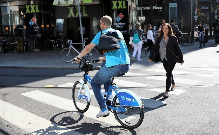Et påbud om hjelm vil vanskelig la seg kombinere med bruk av for eksempel bysykler. Foto: André Kjernsli
