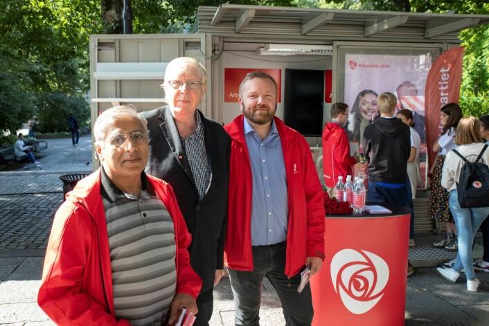 Personene som trekkes til valgboden til AP, kan vente seg en samtale om sosialdemokratiet. Foto: Olav Helland