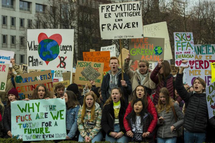 40.000 elever viste sin bekymring for fremtiden foran Stortinget i våres. Dette bildet er fra fjorårets klimastreik. Foto: Morten Lauveng Jørgensen