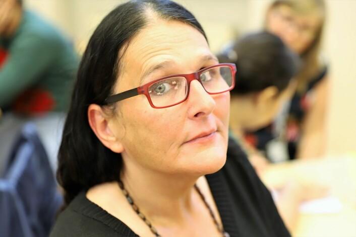 Monika Sørensen gikk glipp av begravelsen til et barnebarn i juli 2019. Forklaringen var at det ikke fantes penger i systemet til at noen tilsatte kunne ta henne med ut av <em>fengselet</em>. Foto: André Kjernsli