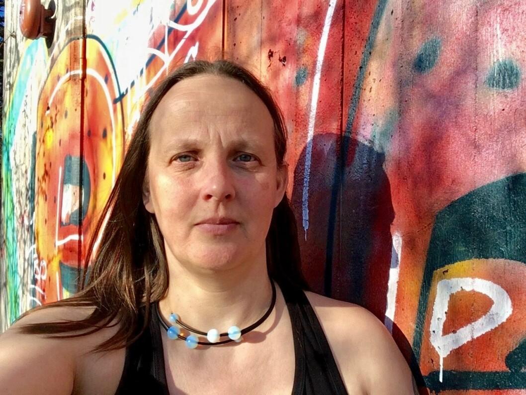 Erika Aasen (53) synes at politikerne må bevilge mer penger til forebyggende arbeid mot ungdomskriminalitet. Foto: Privat