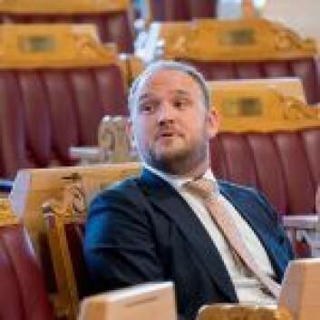 Samferdselsminister Jon Georg Dale (Frp) er kritisk til reguleringen av elsparkesykkel i Trondheim. Foto: Cornelius Poppe / NTB scanpix
