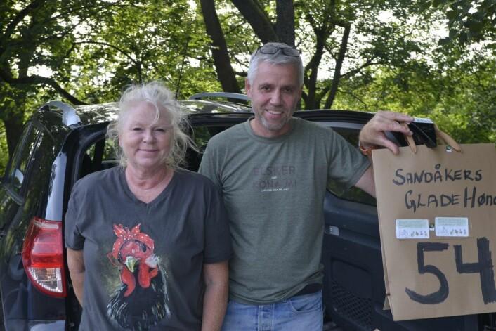 Tone Skaut Skjørdal og mannen Halgeir har levert varer gjennom Reko i over et år og er storfornøyd med ordningen. Foto: Gustav S. Nyquist