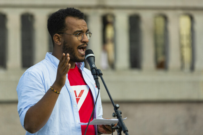 Omar Samy, fra Gamal Oslo SV var klar på at hvite og svarte må stå sammen. Foto: Morten Lauveng Jørgensen