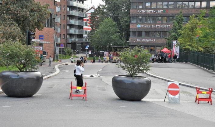 Det er ikke lenger mulig å ta seg med bil fra Hagegata og inn i Kolstadgata. Foto: Christian Boger