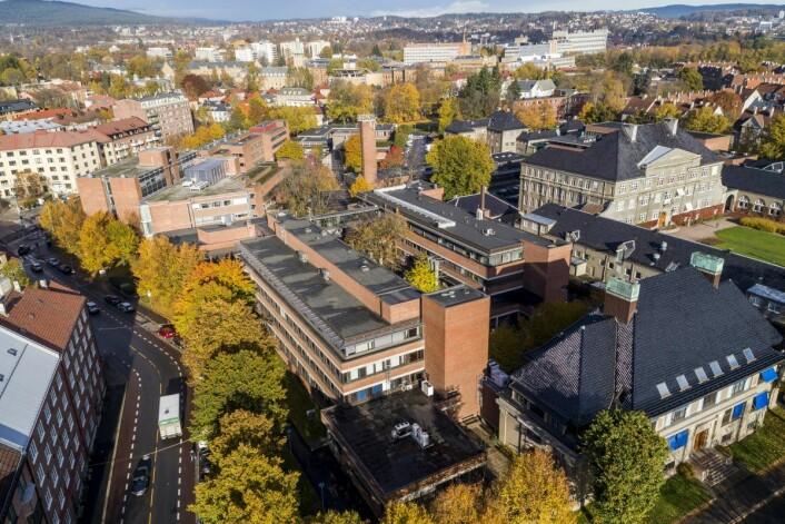 Det er fortsatt ikke endelig avklart hva som skjer med Veterinærhøyskoletomta på Adamstuen. Spørsmålet er om Oslo kommune kjøper hele eller deler fra staten. Foto: Tore Meek / NTB scanpix