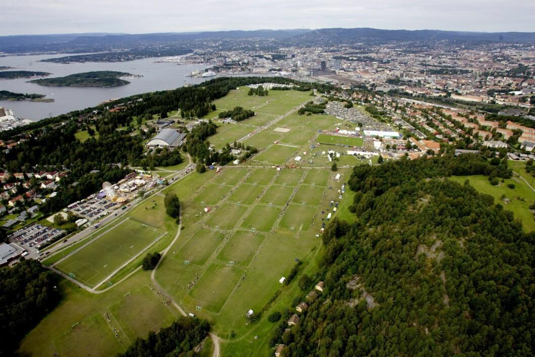 Det er i området ved Ekeberghallen, til venstre i bildet, det rødgrønne byrådet går inn for en større utbygging. Foto: Stian Lysberg Solum / SCANPIX