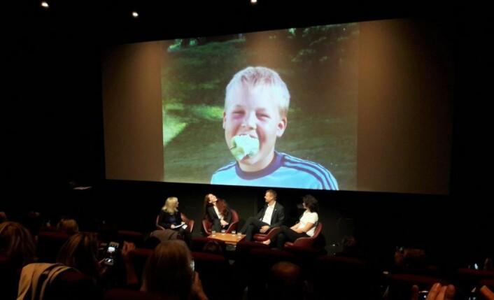Barne- og familieminister Kjell Ingolf Ropstad var glad i å spille fotball som tolvåring, og tydeligvis også glad i epler. Foto: Anders Høilund