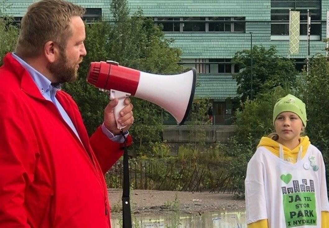 11 år gamle Malene ønsker seg en stor og grønn park i Nydalen. Den drømmen kan Oslo-politiker Anders Røberg-Larsen (Ap) og partiene H og Frp stoppe. Foto: Christine Vistung