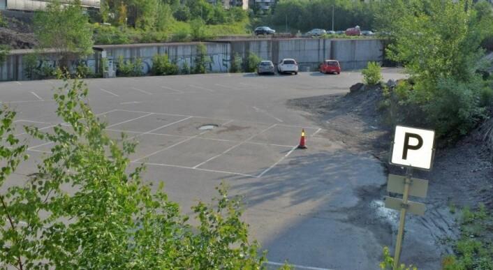Her, på den såkalte T-bane-tomta i Nydalen, ønsker beboerne seg en stor park, men de store partiene i bystyret er avvisende. Foto: Magnus Evenstuen