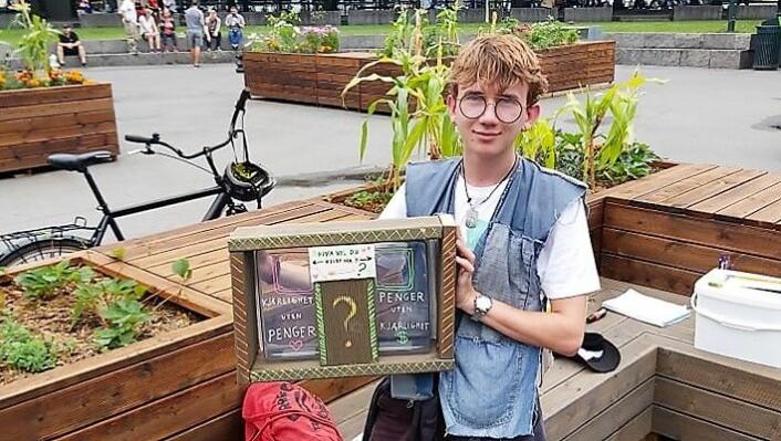 Noah Gylver og de andre ungdommene har samlet over 16 000 sneiper på Vaterland i sommer. Foto: Mathias Michelsen