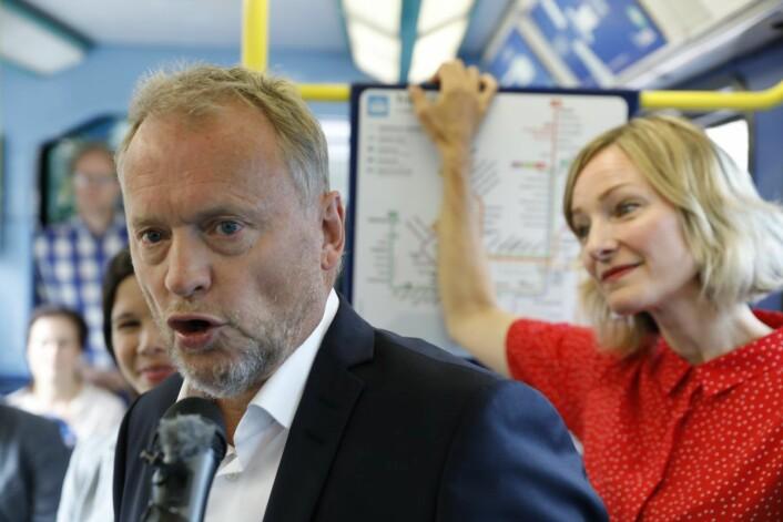 Vil ha fire nye år som byrådsleder: Raymond Johansen (Ap) sammen med Inga Marte Thorkildsen (SV) med MDGs Lan Marie Berg (delvis skjult) under lansering av Oslos nye klimastrategi. Foto: Ole Berg-Rusten / NTB scanpix