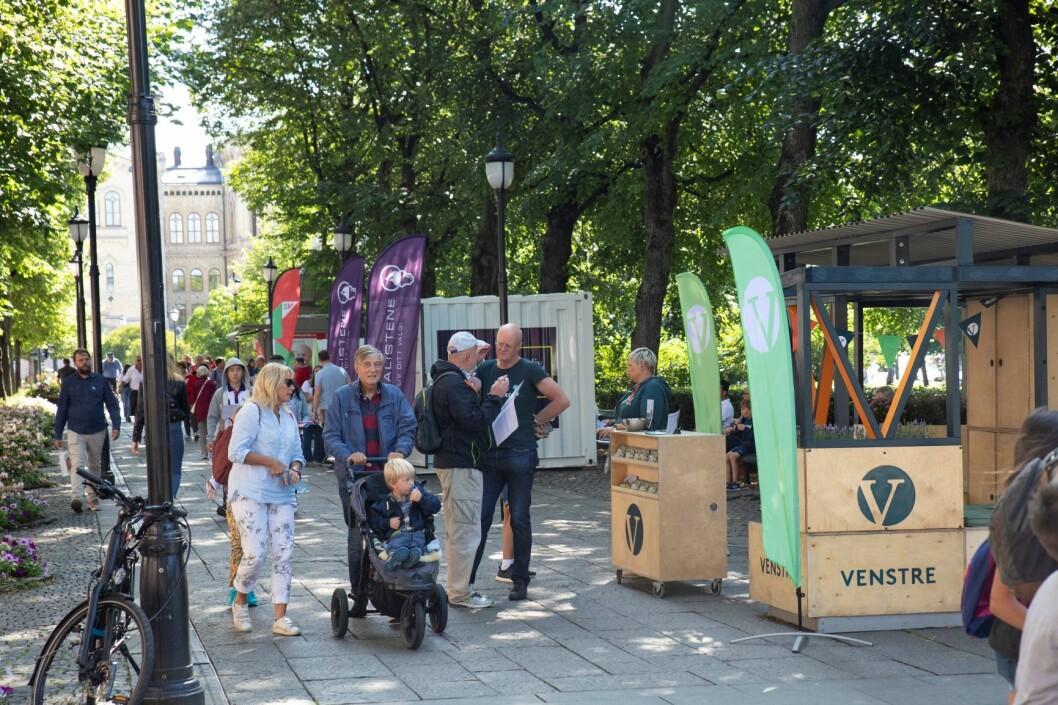 Venstre kommuniserer godt med denne valgboden. Foto: Olav Helland