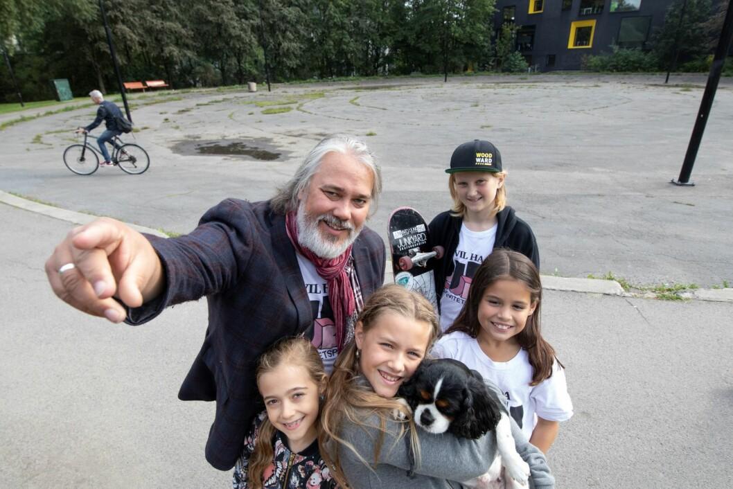 Pappa Geir Listhaug brenner for den uorganiserte idretten og steder ungdommene kan henge med hverandre. Foto: Olav Helland