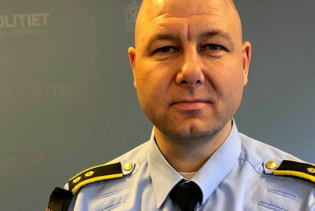 Operasjonsleder Tor Gulbrandsen forteller at politiet raskt pågrep raneren. Foto: Oslopolitiet