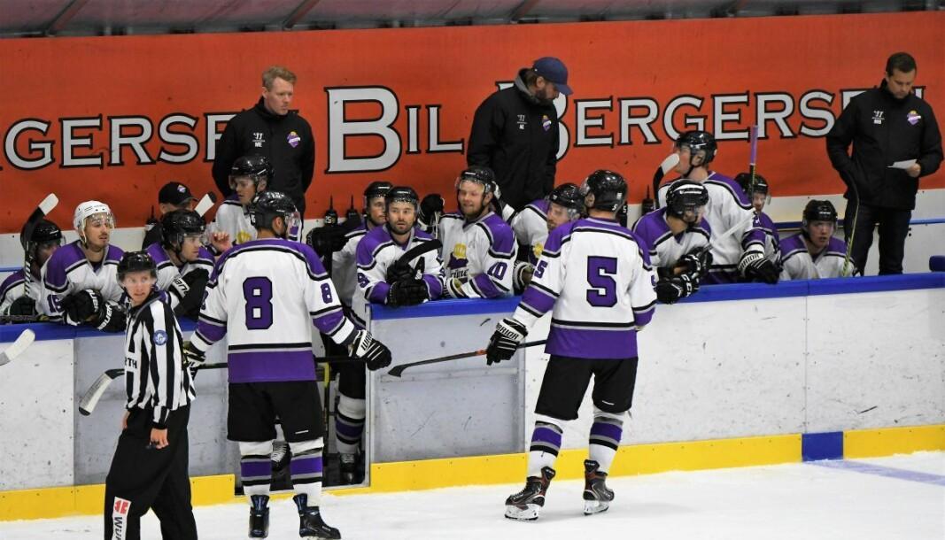 Grüner-trenerne Morten Elverud (bak til venstre), Andre Evensen og Marius Bjerke er godt fornøyd med laget de stiller med. Foto: Christian Boger