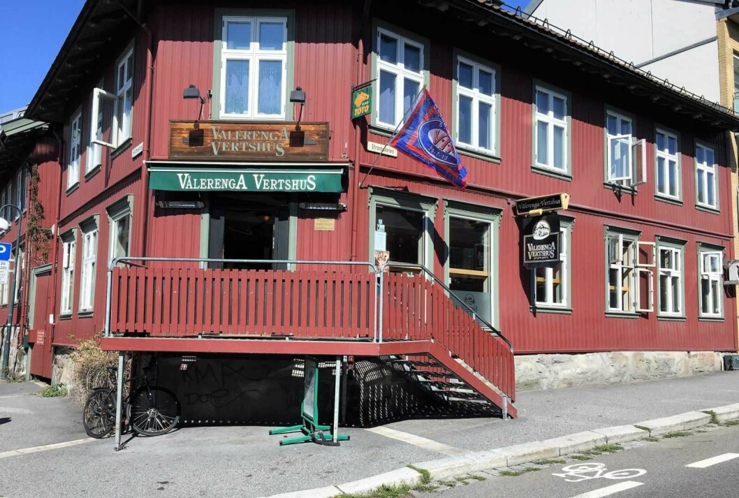 Hedemarksgt. 1 som blant annet huser Vålerenga vertshus skal nå selges. Foto: Ine-Elise Høiby/Vålerenga Vertshus