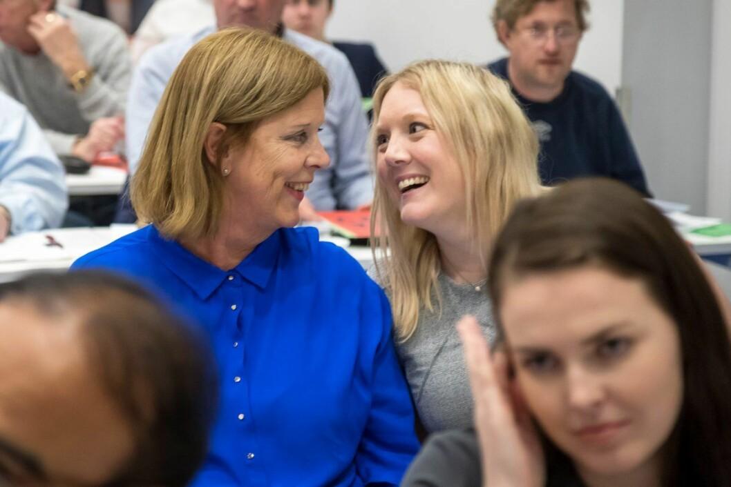 Frps første- og andrekandidat, Aina Stenersen og Camilla Wilhelmsen, smilte under nominasjonsmøtet i desember i fjor. Men nå opplever Frp at Høyre og Venstre forsøker å spille dem utover sidelinjen i Oslo-politikken. Foto: Heiko Junge / NTB scanpix