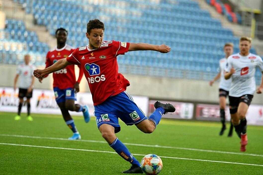 Kampens profil ble Johannes Nuñez. To mål, og veldig nære et hat trick mot Sogndal. Foto: Anders Vindegg
