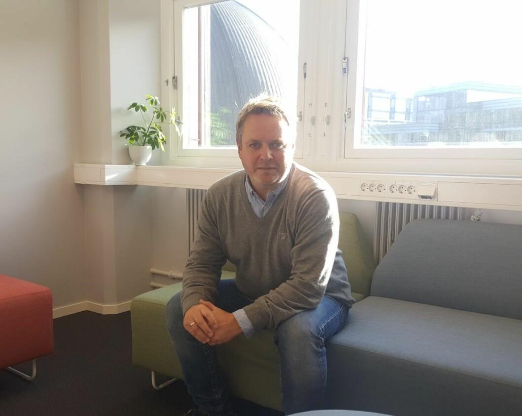 Prosjektleder Jens Christian Holm i Ung Arena Oslo Vest, i de nye lokalene til tilbudet i Sørkedalsveien 10B på Majorstuen. Foto: Tarjei Kidd Olsen