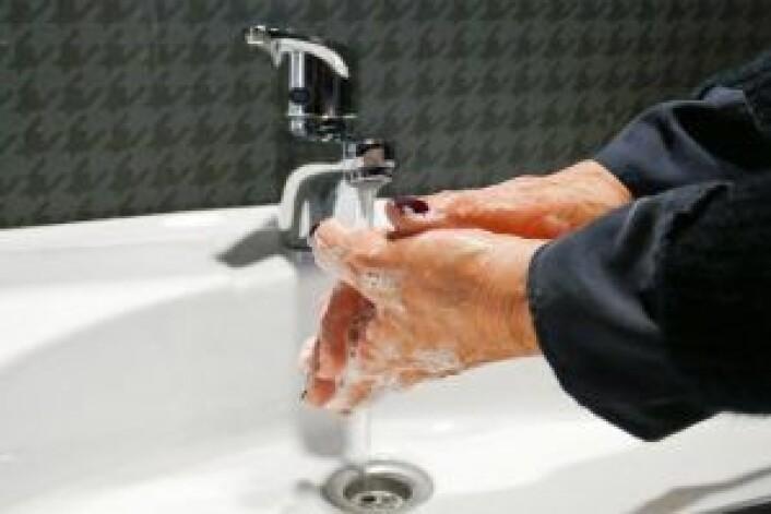 HÅNDVASK: Det viktigste du gjør for å unngå å bli smittet og å smitte andre, er å vaske hendene godt. Foto: Mari Andersen Rosenberg/ Ifi.no